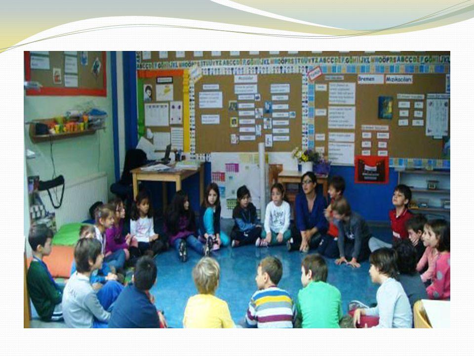Aktif Süreçleme: Aktif süreçlemede öğretmenlerin, bilginin öğrenci tarafından hem kişisel olarak anlamlı, hem de kavramsal olarak uyumlu bir biçimde b