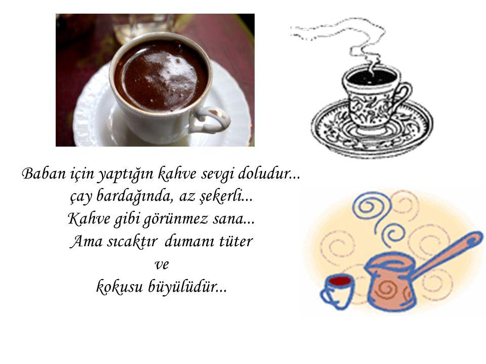 Tek başına balkonda içtiğin kahve yalnızlıktır... Acıdır tadı... Ama garip de bir keyfi, lezzeti vardır...