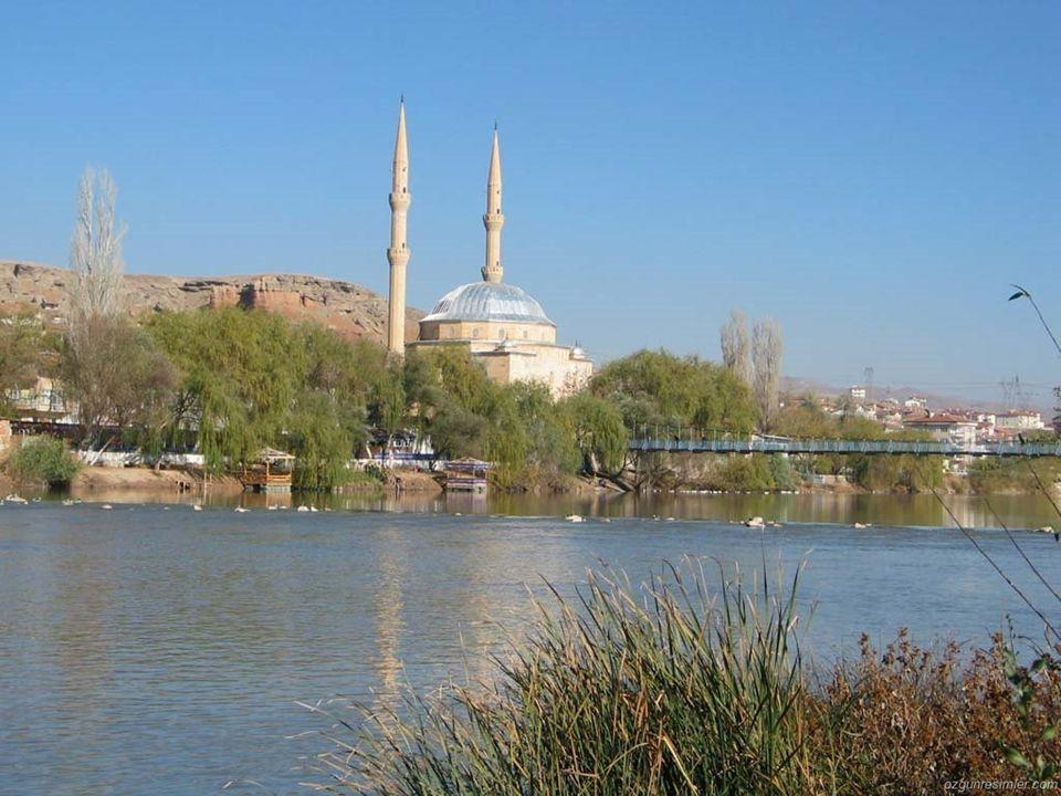 BÖLGENİN ÜLKE EKONOMİSİNDEKİ YERİ İç Anadolu Türkiye'nin gelişmişlik açısından 3.