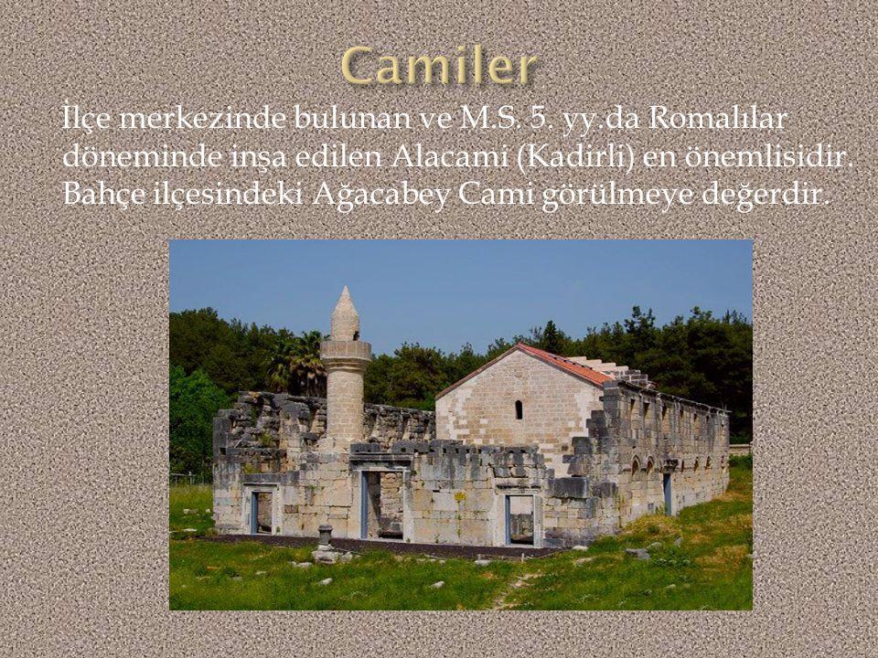 Osmaniye'nin doğusunda, Kaypak yolu üzerinde 30 km'lik asfalt yol ile bağlıdır.