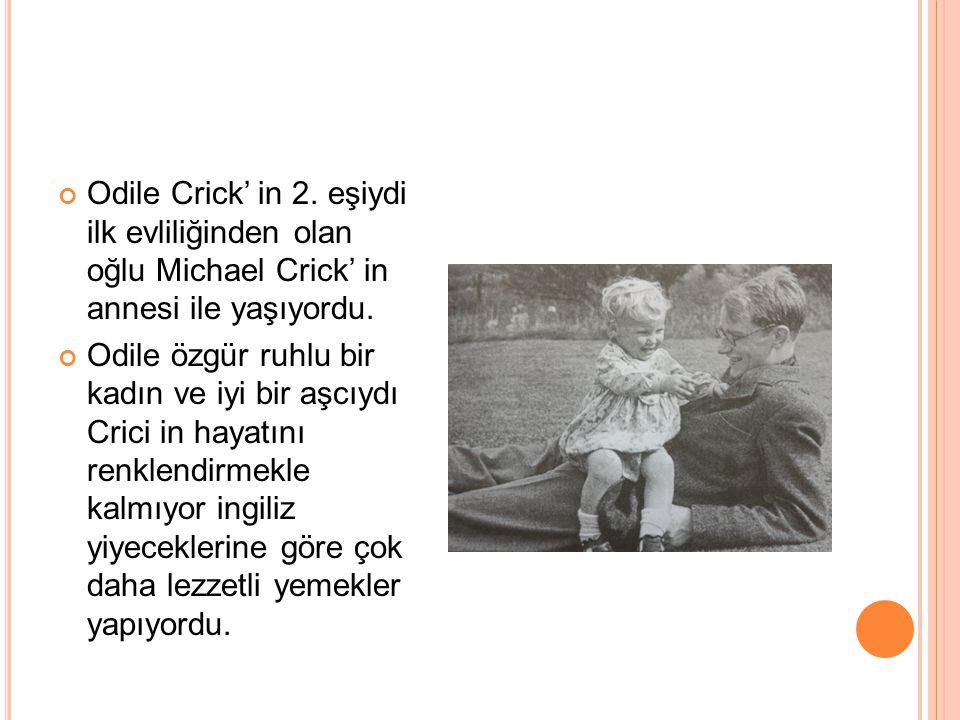 EĞİTİM DURUMU Crick tipik bir özel koleje gitti.Burada bilime yoğun ilgi gösterdi.