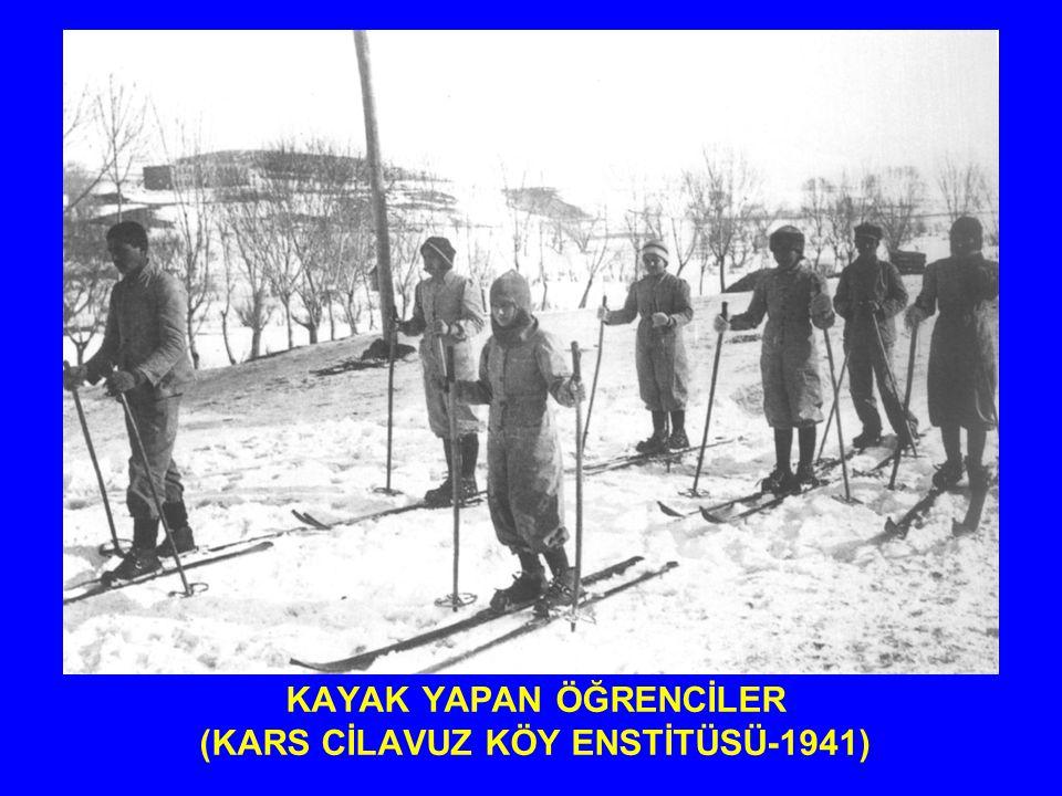 KEMAL ve HİKMET MOTOSİKLET KULLANMAYA BAŞLADIKLARI İLK GÜNLERDE (AKSU KÖY ENSTİTÜSÜ- 1940)