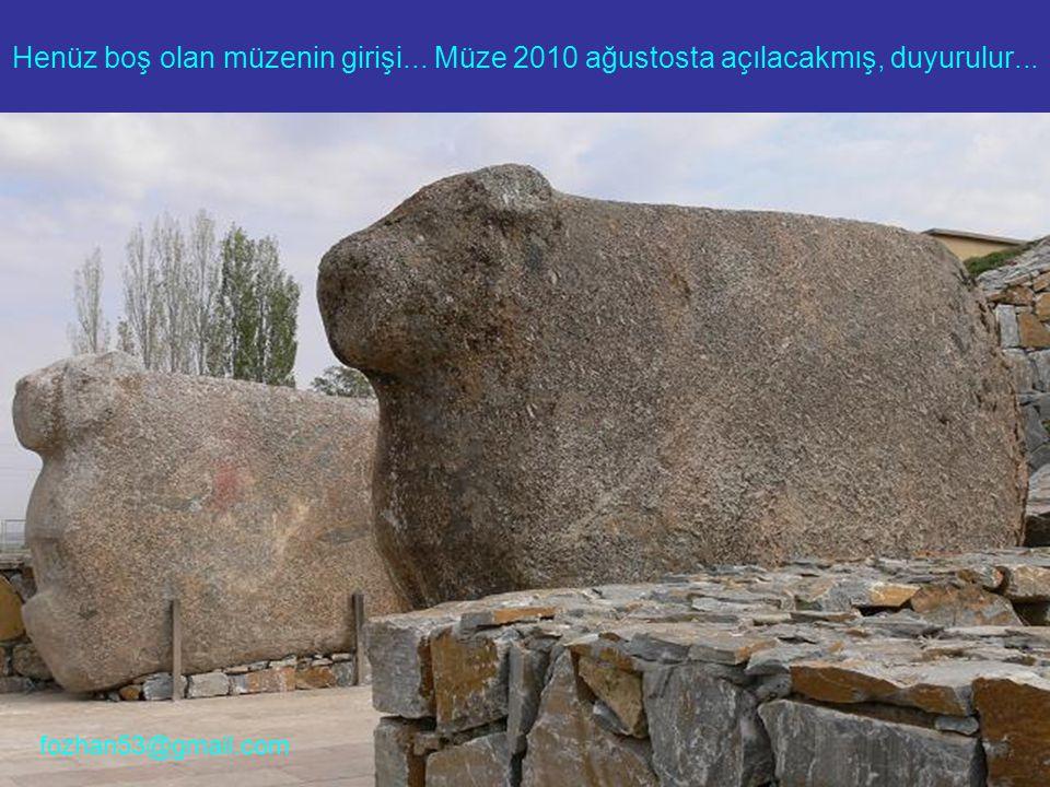 Henüz boş olan müzenin girişi... Müze 2010 ağustosta açılacakmış, duyurulur... fozhan53@gmail.com