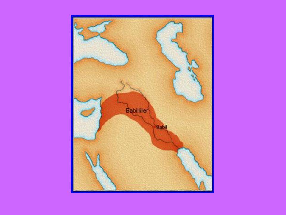 Babilliler ilk toplama makinesi olan abaküsü icat ettiler.