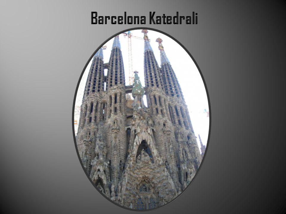  Tipik bir katalan(İspanyada Katalan adında bir bölgede yaşan Türk kökenli bir halktır.) gotik katedraldir.