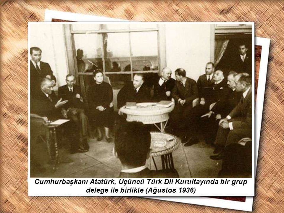 Cumhurbaşkanı Gazi Mustafa Kemal, İzmir Erkek Lisesinde matematik dersini izlerken (1 Şubat 1931) Cumhurbaşkanı Atatürk, Üçüncü Türk Dil Kurultayında