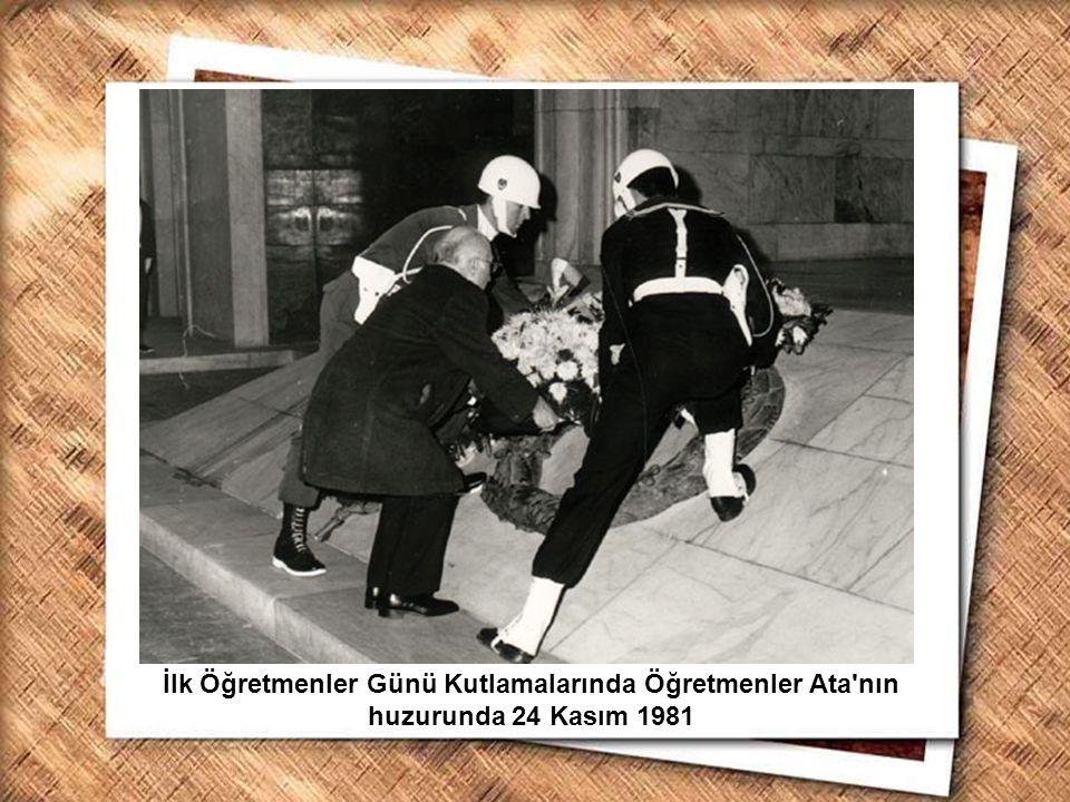 Cumhurbaşkanı Gazi Mustafa Kemal, İzmir Erkek Lisesinde matematik dersini izlerken (1 Şubat 1931) İlk Öğretmenler Günü Kutlamalarında Öğretmenler Ata'