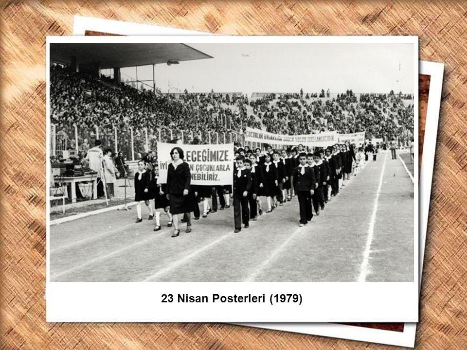 Cumhurbaşkanı Gazi Mustafa Kemal, İzmir Erkek Lisesinde matematik dersini izlerken (1 Şubat 1931) 23 Nisan Posterleri (1979)