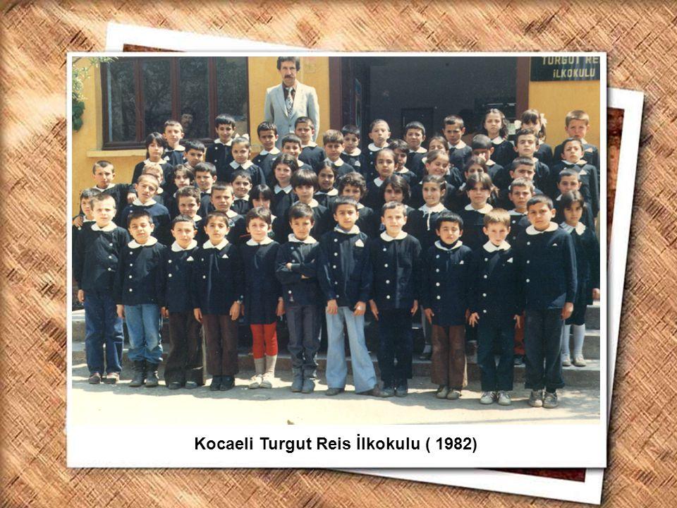 Cumhurbaşkanı Gazi Mustafa Kemal, İzmir Erkek Lisesinde matematik dersini izlerken (1 Şubat 1931) Kocaeli Turgut Reis İlkokulu ( 1982)