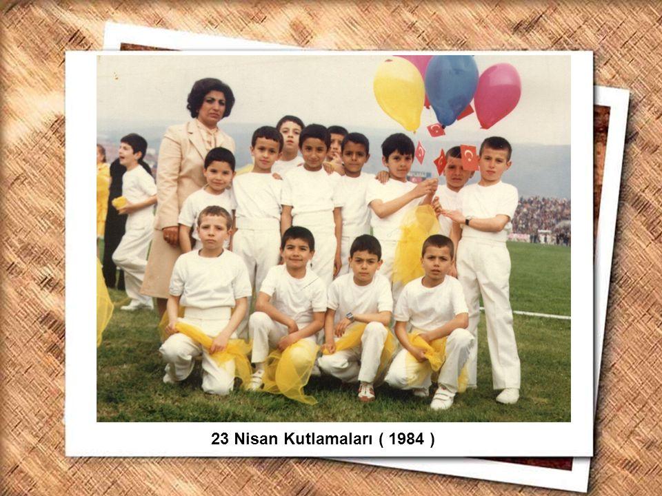 Cumhurbaşkanı Gazi Mustafa Kemal, İzmir Erkek Lisesinde matematik dersini izlerken (1 Şubat 1931) 23 Nisan Kutlamaları ( 1984 )