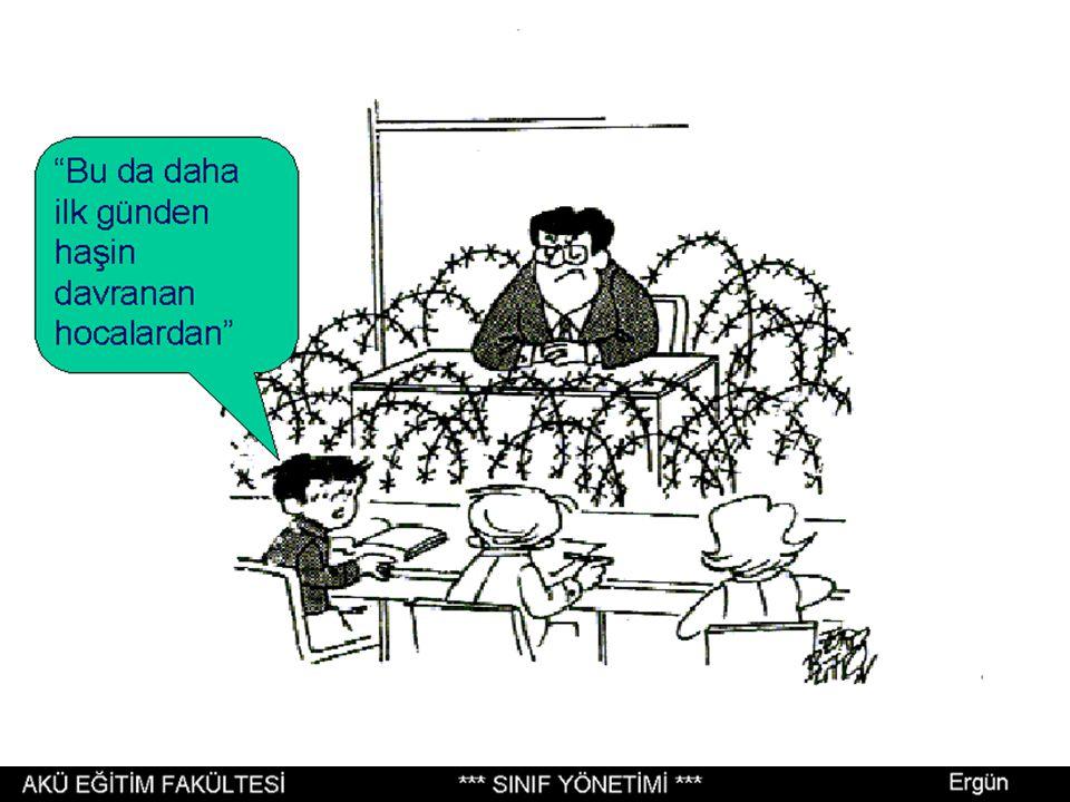 Sınıf Yönetimi, öğretmen ve öğrenciler sınıfa girmeden önce başlar.