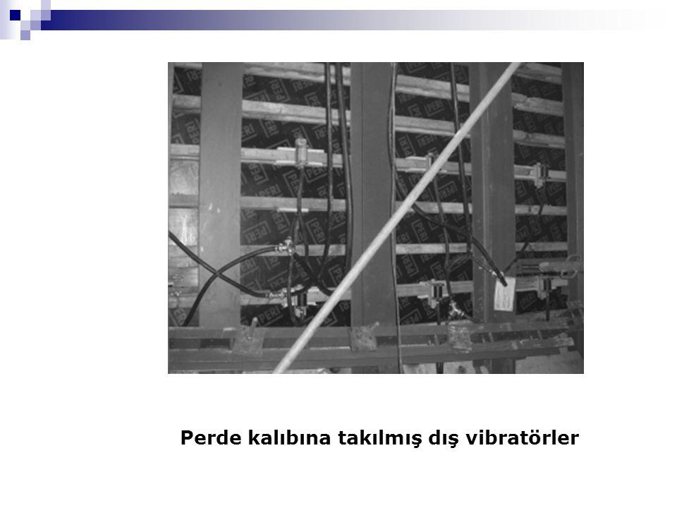 Perde kalıbına takılmış dış vibratörler