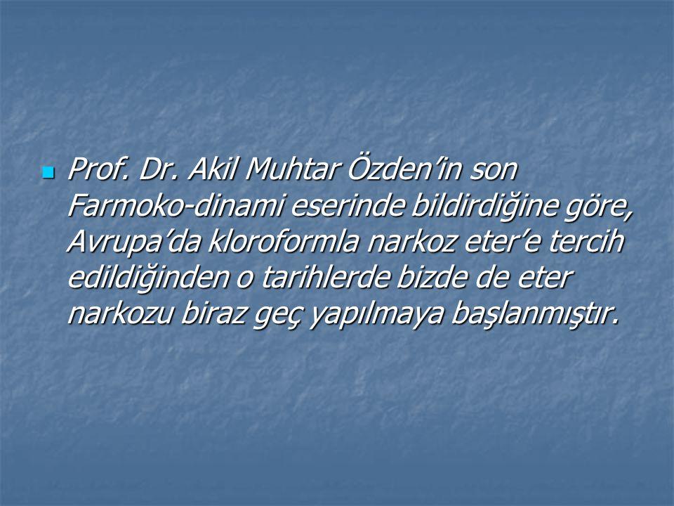 Değerli operatör Cemil Topuzlu Paşa bir konuşmasında o tarihlerde kloroformun etere tercih edilmesini şöyle anlatmıştır: Değerli operatör Cemil Topuzlu Paşa bir konuşmasında o tarihlerde kloroformun etere tercih edilmesini şöyle anlatmıştır: 1924'e kadar İstanbul'da diğer umumi ve hususi hastanelerde çalışanlar da hep kloroform kullanırdı.