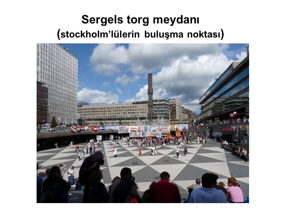 Sergels torg meydanı ( stockholm'lülerin buluşma noktası )