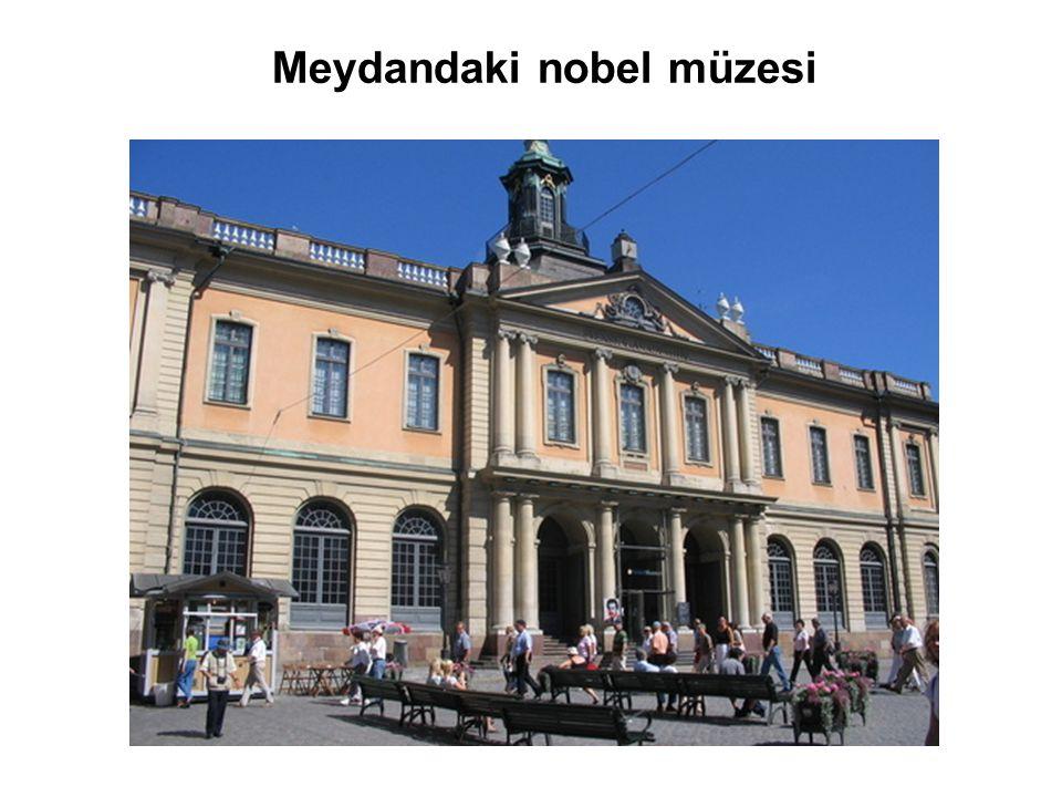 Meydandaki nobel müzesi