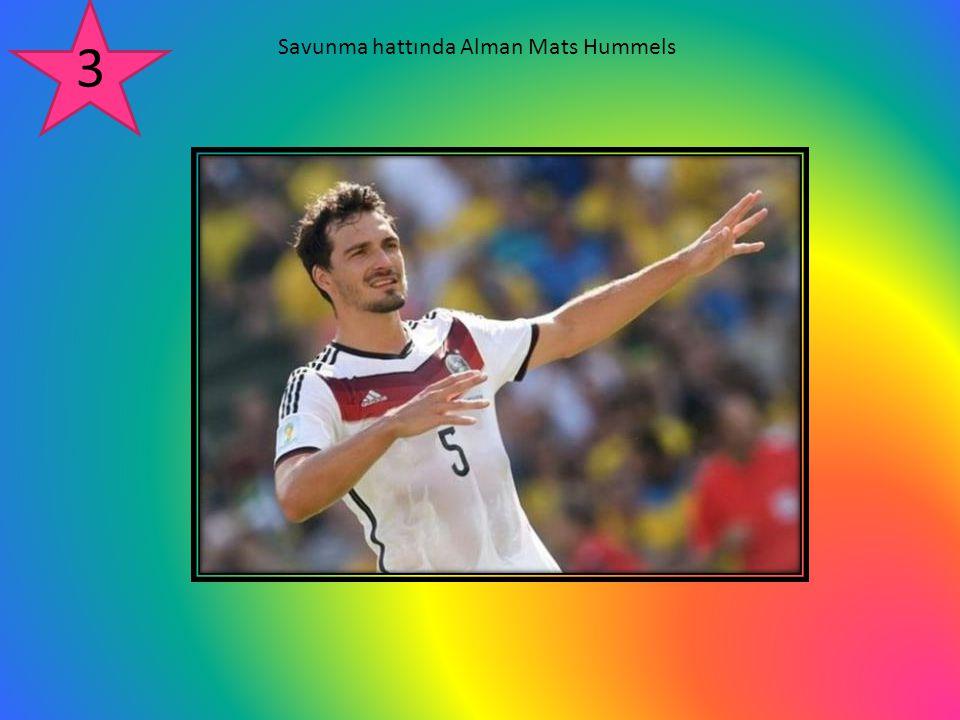 Savunma hattında Alman Mats Hummels 3