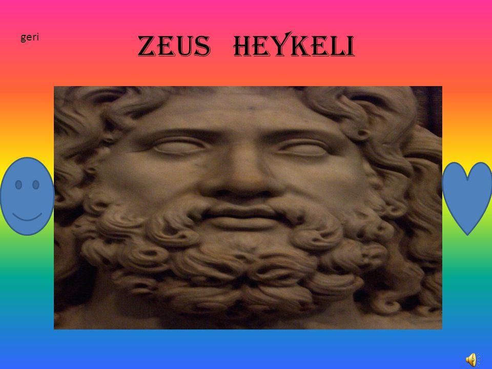 Zeus heykeli geri