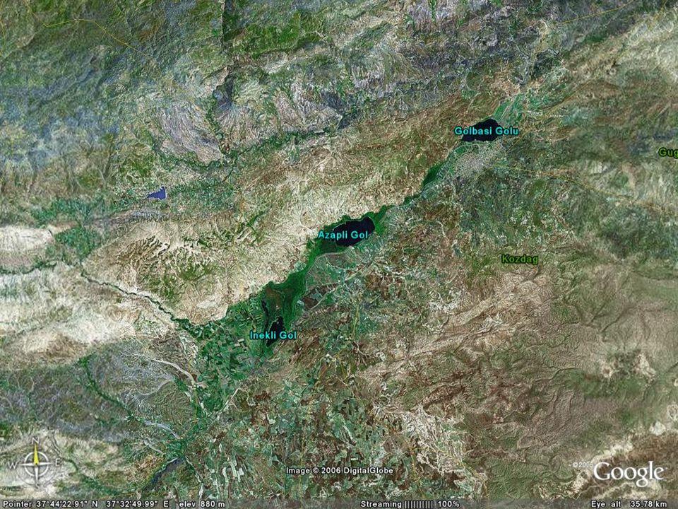 NEOTEKTONİK Doç.Dr. Yaşar EREN Aksu nehrinin üst bölümündeki üç göle ulaştığında tekrar yüzeye çıkmaktadır.