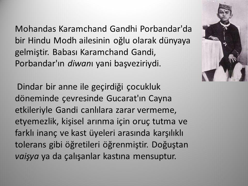 Mayıs 1883 de, 13 yaşındayken, ailesinin isteğiyle yine 13 yaşındaki Kasturba Makhanji ile evlendi.