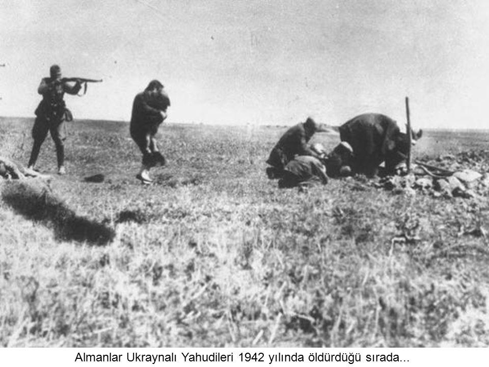 Stalin'in oğlu Yakov Dzhugashvili Alman askerleri tarafından yakalandığında... Yakov sonraları esir kampında öldürülüyor. (1941)