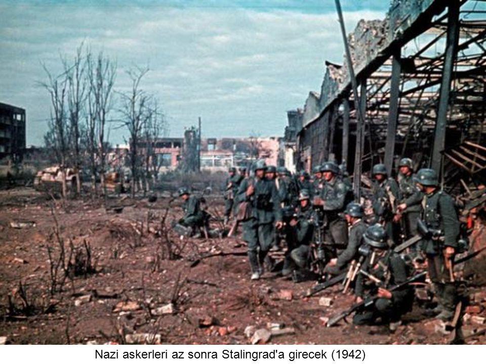 Alman askerleri Stalingrad'a doğru yaklaşırken... (1942)