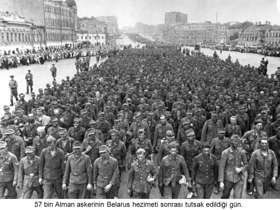 Nazi askerleri az sonra Stalingrad'a girecek (1942)