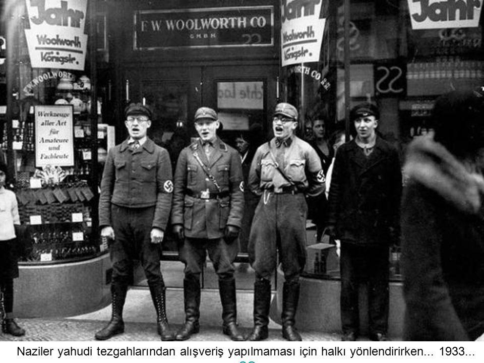 Yıl 1934... Buckeberg'de Nazi kutlaması... Yüzbinlerce insan eşlik ediyor kutlamalara... S
