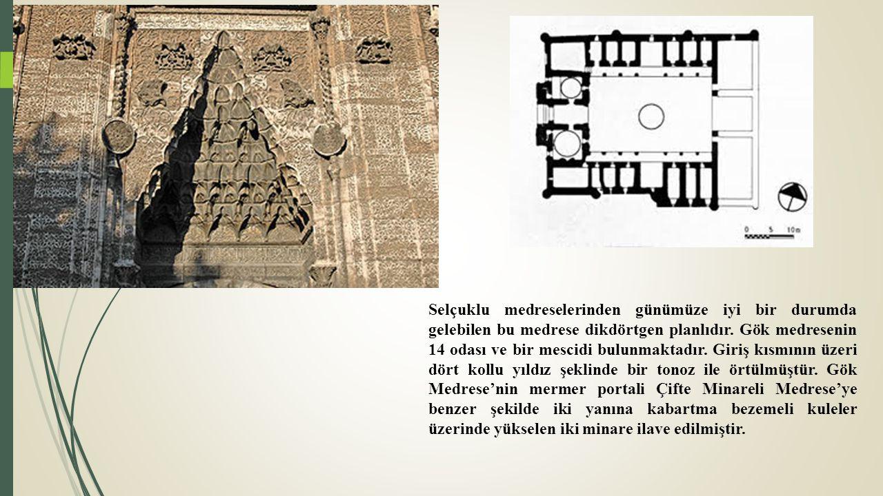 Kubbe: Yarım küre biçiminde taştan ya da tuğladan çatı örtüsü.