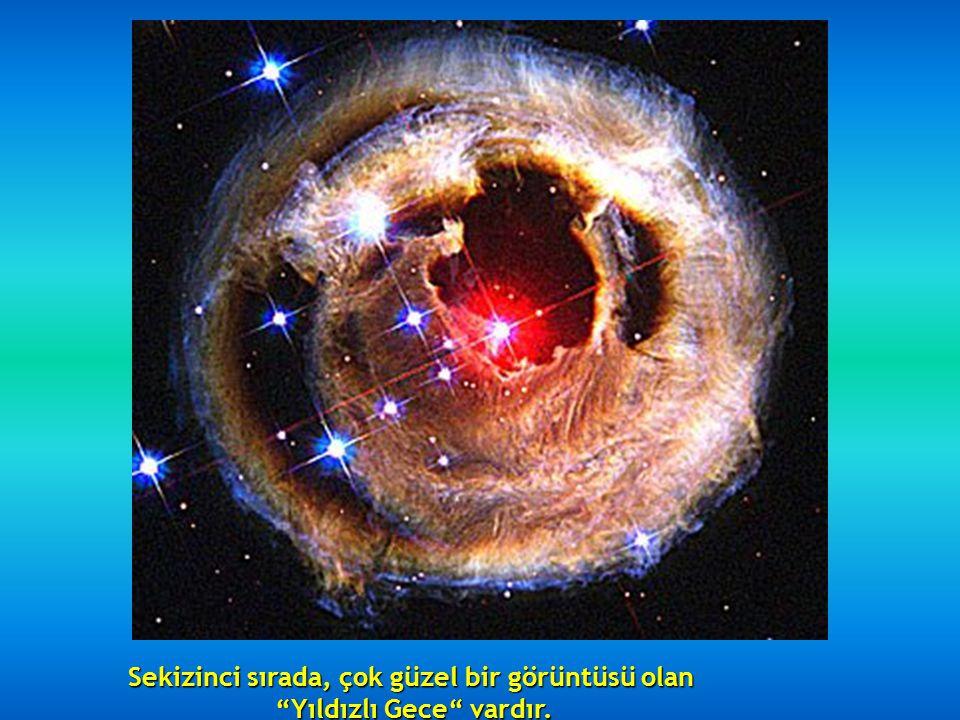 Altıncı sırada, 5500 ışık yılı uzakta bulunan Kuğu Nebülözünün kalıntıları bulunur, içinde ki az miktarda Hidrojen,Oksijen, Kükürt ve diğer maddelerle