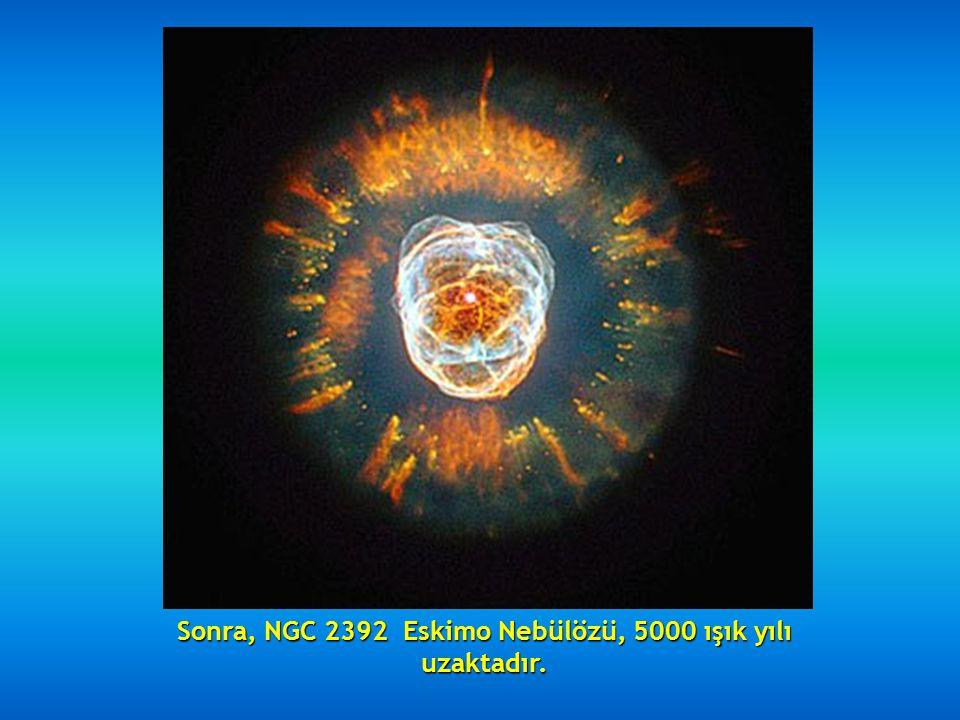 Sonra, teleskopa yansıyan görüntüsü nedeniyle Karınca Nebülözü de denilen meşhur Nebula Mz3 gelir, 3000 - 6000 ışık yılı arasında bulunur.