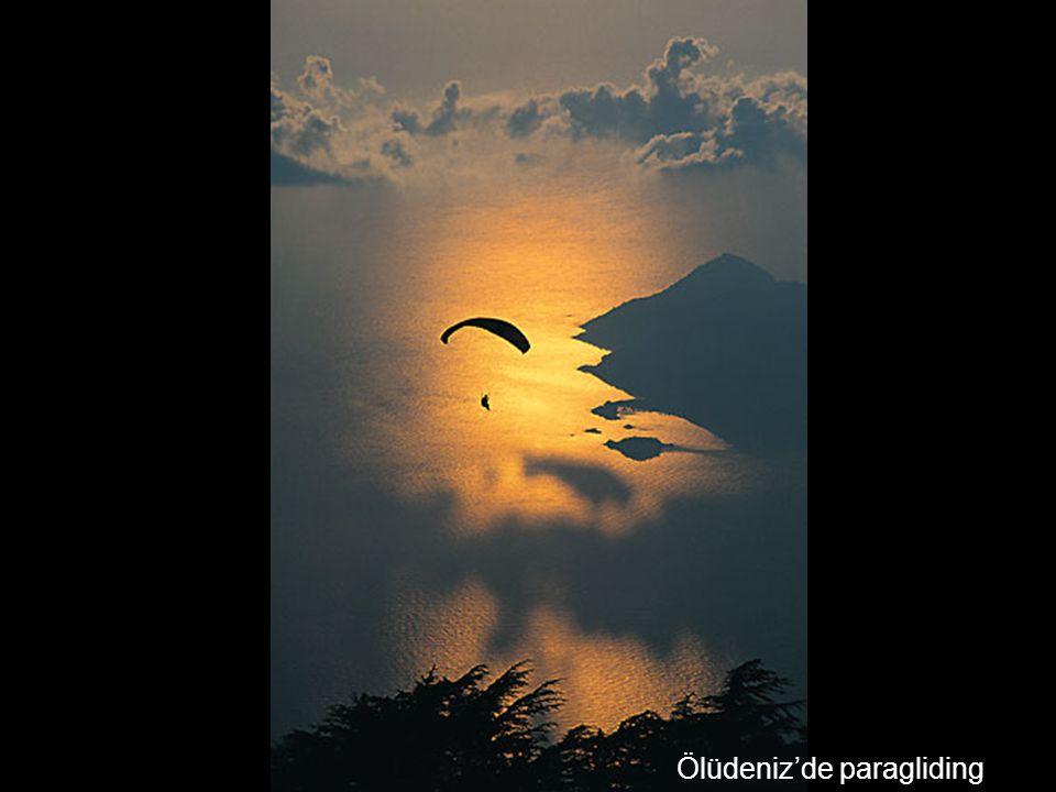Ölüdeniz'de paragliding