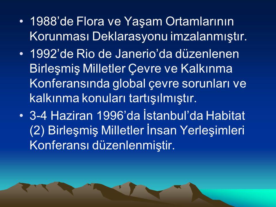TÜRKİYE'DE ÇEVRESEL OLAYLARIN GELİŞİMİ Türkiye'de çevre kelimesinin kullanılması ve Çevre Mühendisliğinin ayrı bir branş olarak tanınması 1970'li yıllarda olmakla beraber, çevre koruma amacı ile sistemli olarak yapılmış en eski çalışmalar Osmanlı Dönemi'nde ortaya çıkmıştır.