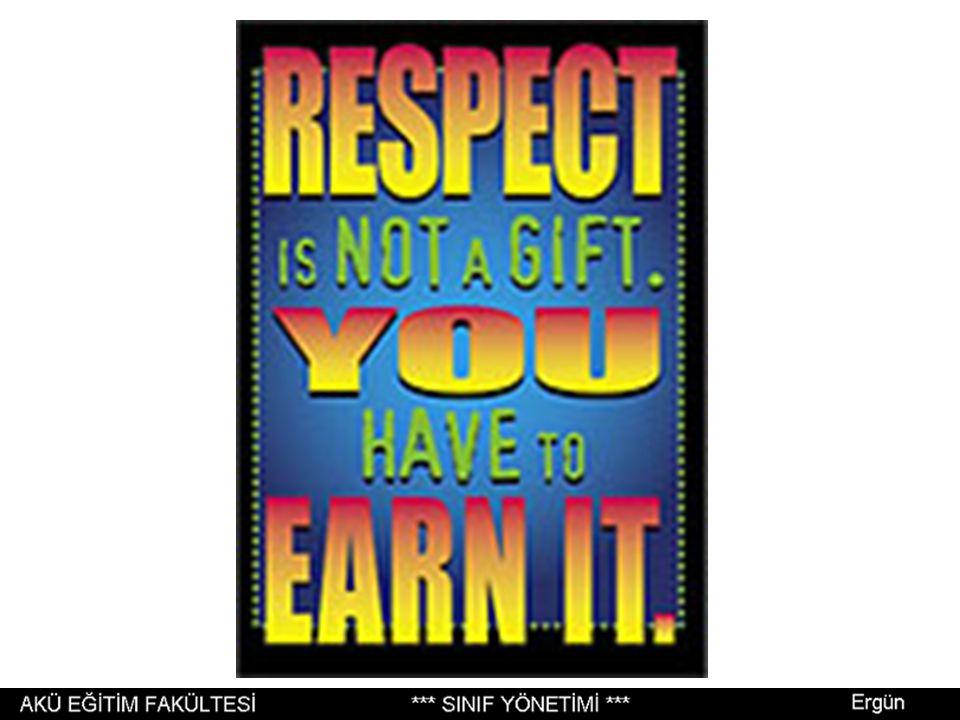 Sınıftaki herkesin tartışmalara katılma hakkı ve yükümlülüğü vardır; öğretmen istediğinde herkes konuşmalıdır.