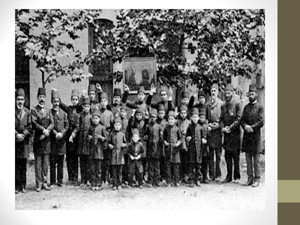 22.İlk kez, öğretmen yetiştiren meslek okulları açılmıştır.