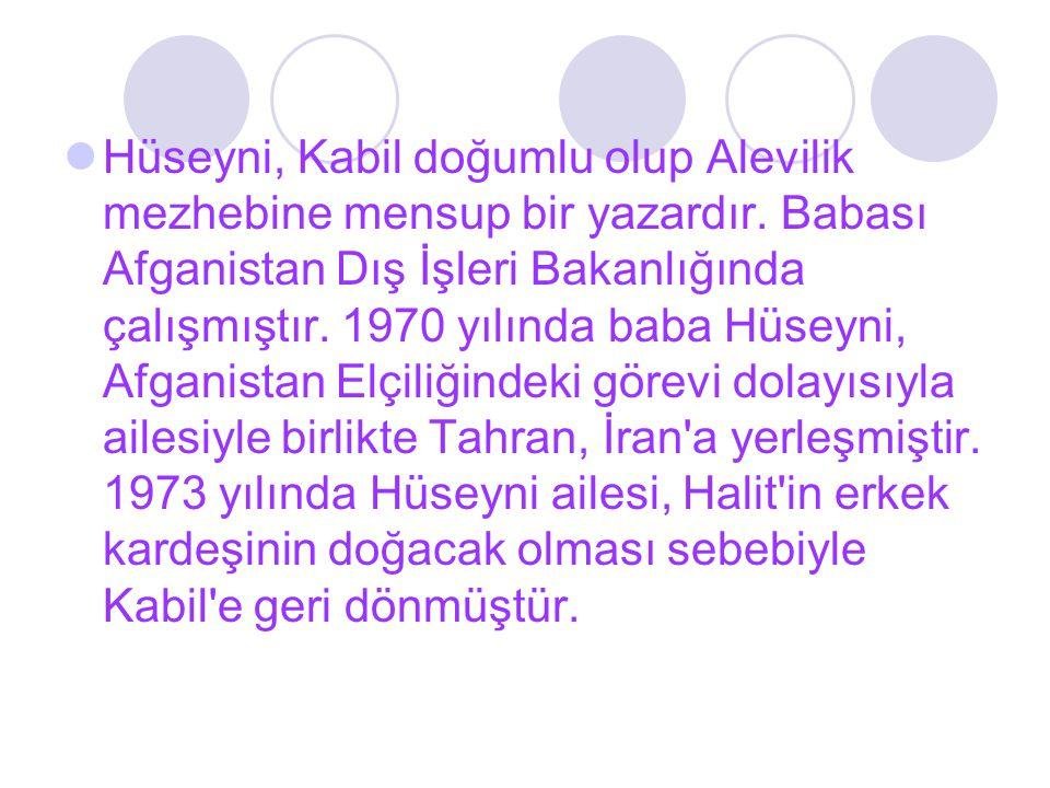 Hüseyni, Kabil doğumlu olup Alevilik mezhebine mensup bir yazardır. Babası Afganistan Dış İşleri Bakanlığında çalışmıştır. 1970 yılında baba Hüseyni,