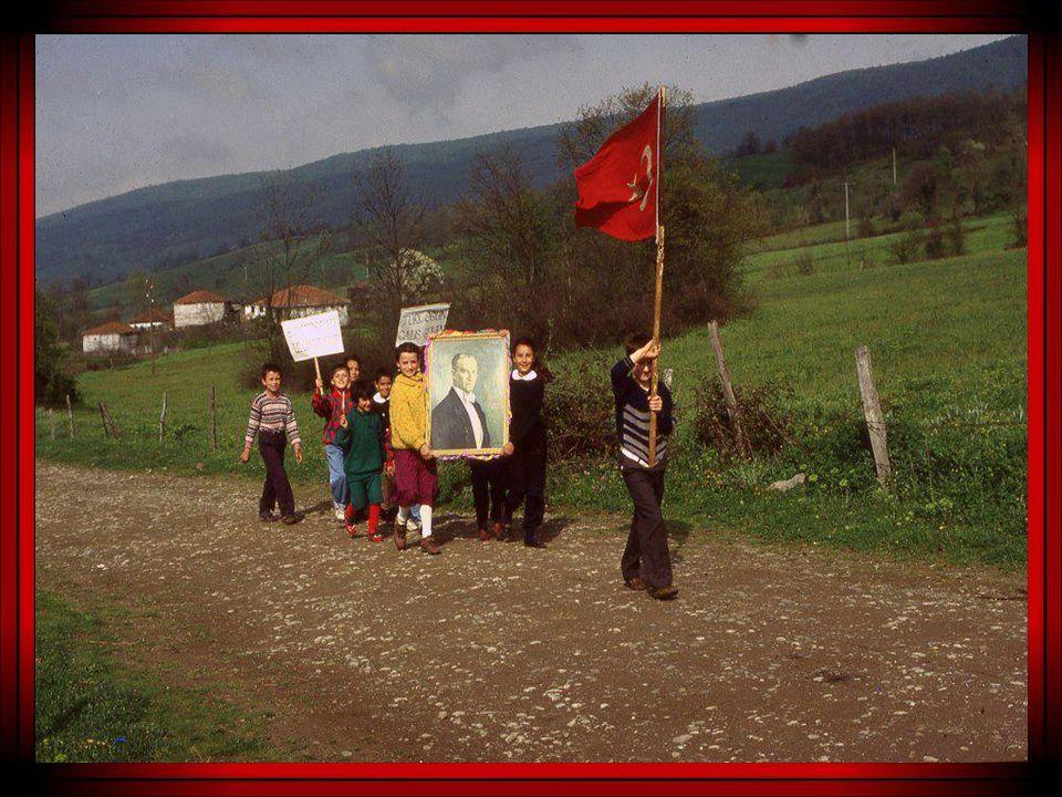 Temel ilke ; Türk ulusunun haysiyetli ve onurlu bir ulus olarak yaşamasıdır.