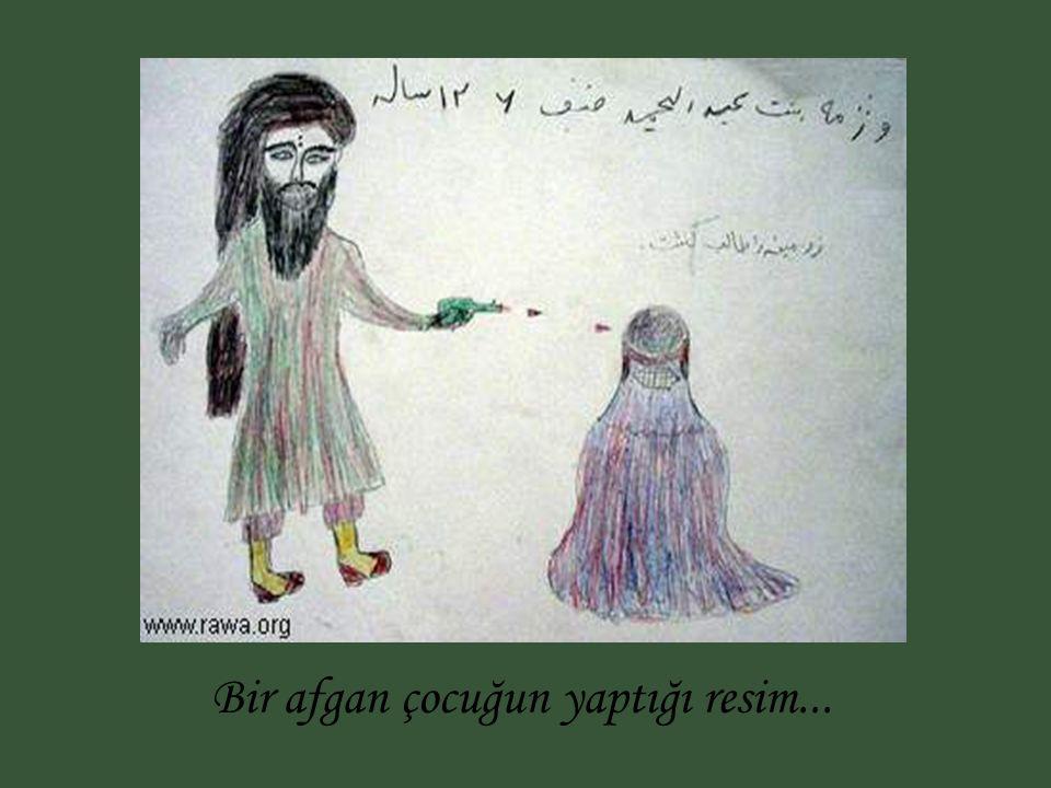RECM ( TAŞLAMA) Iran'da infaz işinde çalışan silahlı bir kadın ! !