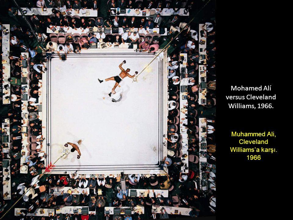 Mohamed Alí versus Cleveland Williams, 1966. Muhammed Ali, Cleveland Williams'a karşı. 1966