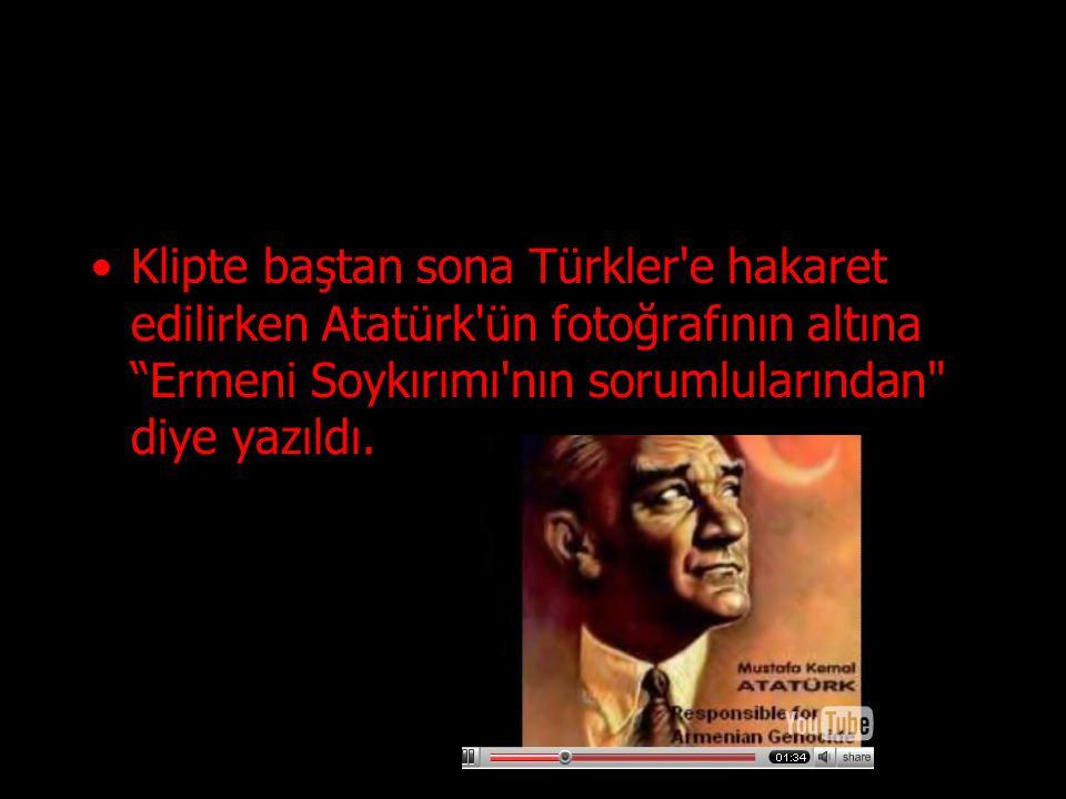 Bir başka karede de Atatürk ün resmi ekrandayken solistin Katil ve Yalancı sözlerini söylediği görüldü.