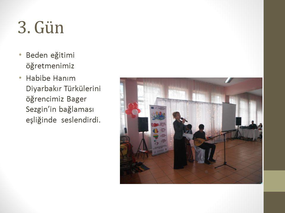 3. Gün Beden eğitimi öğretmenimiz Habibe Hanım Diyarbakır Türkülerini öğrencimiz Bager Sezgin'in bağlaması eşliğinde seslendirdi.