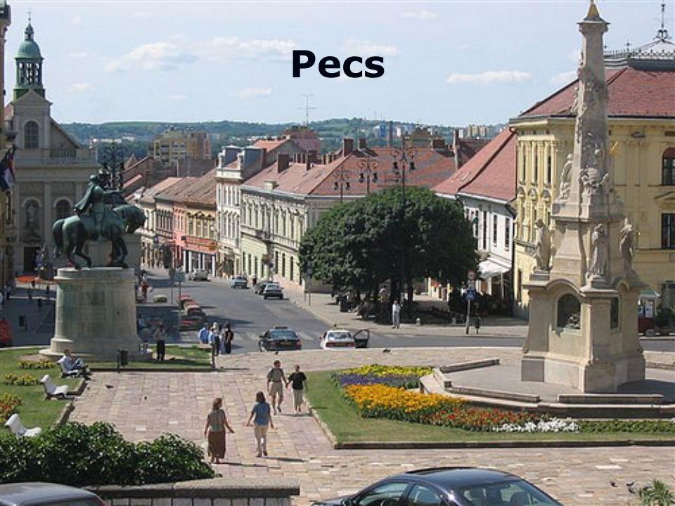 Bir tutam Akdeniz eklenmiş bir Macar kenti Peç'in kendine özgü karakteri ve 35 binden fazla ulusal ve uluslararası öğrencisi Geçmişte Latin, Türk, Alman, Hırvat ve Macar kültür katmanlarıyla bezenmesi Kentin yerel merkezinin UNESCO tarafından 2000 yılında Dünya Mirası Alanı ilan edilmesi