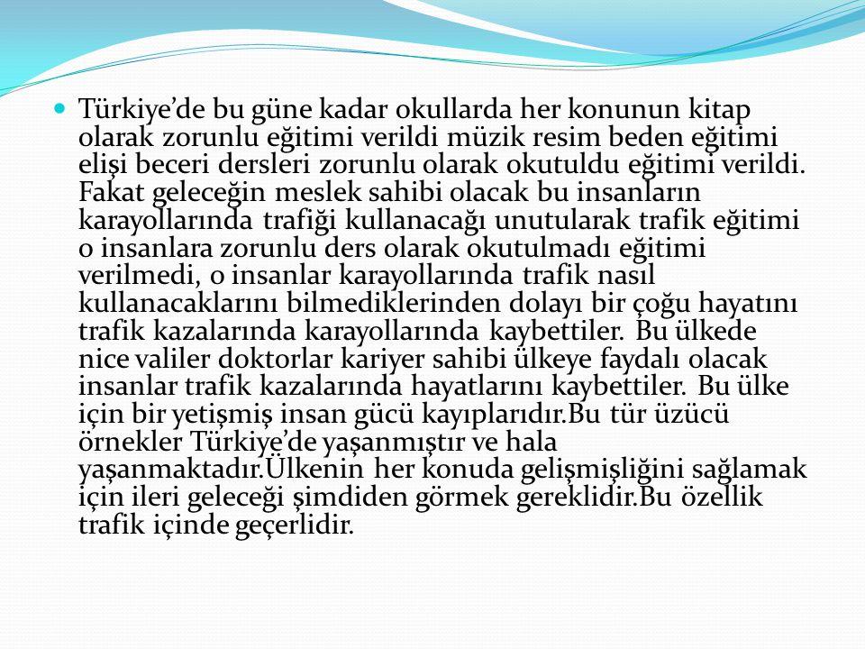 Türkiye'de bu güne kadar okullarda her konunun kitap olarak zorunlu eğitimi verildi müzik resim beden eğitimi elişi beceri dersleri zorunlu olarak oku