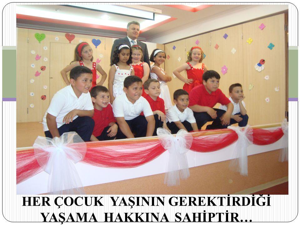 Türkiye Cumhuriyeti Anayasasının 10.maddesi, herkesin devletin tüm iş ve işlemlerinde ve yasalar önünde eşit olduklarını, 61.maddesinde ise dezavantajlı kişi, aile ve gruplara hizmet götürmenin Devletin görevi olduğunu kabul etmiştir.