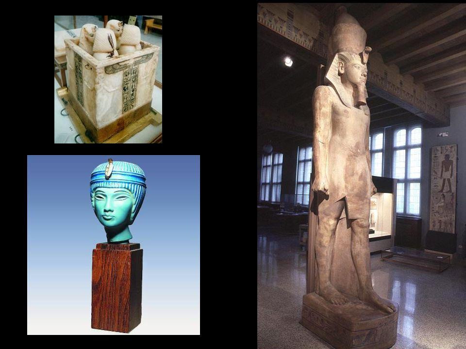 Firavun ve eşinin tören tahtları