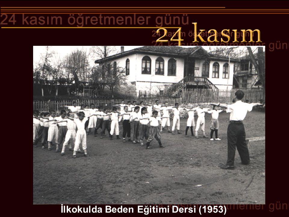 Aydın Erkek İlk Mektebi (1926) Eğitim, çocuğa bilmediğini öğretmek değildir; çocuğa yaşamasını öğretmektir.