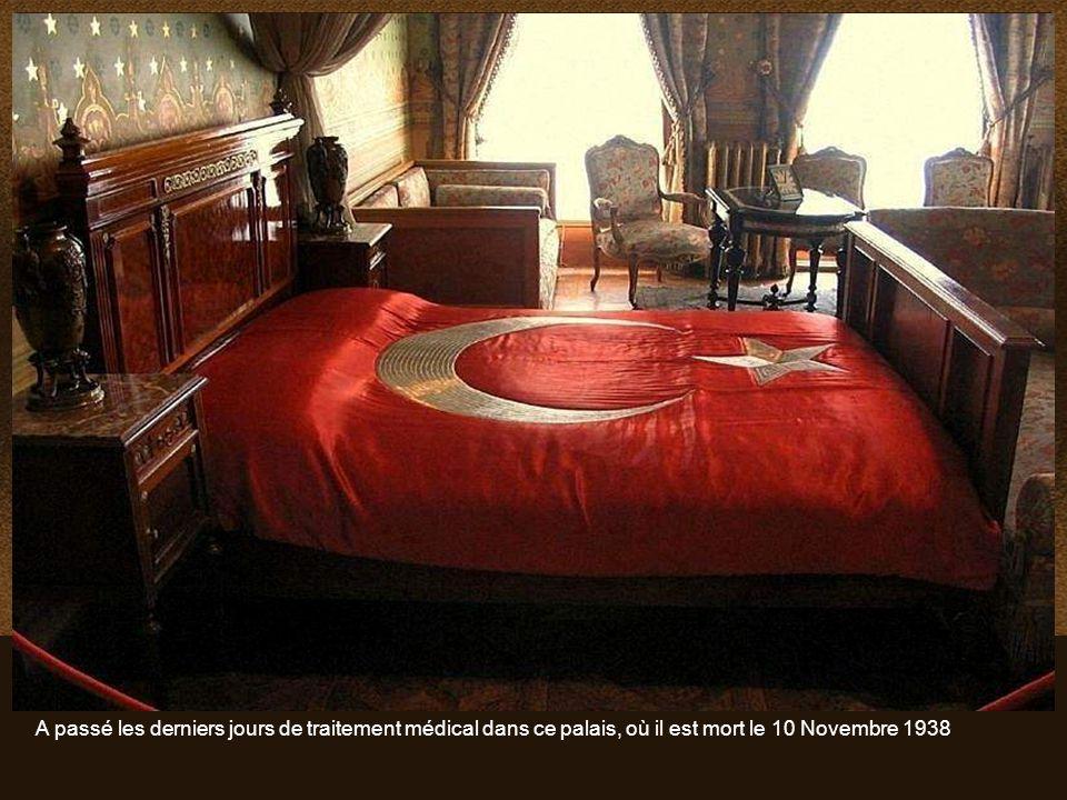 Mustafa Kemal Atatürk,, fondateur et premier Président de la République de Turquie, a utilisé le palais comme résidence présidentielle pendant les été