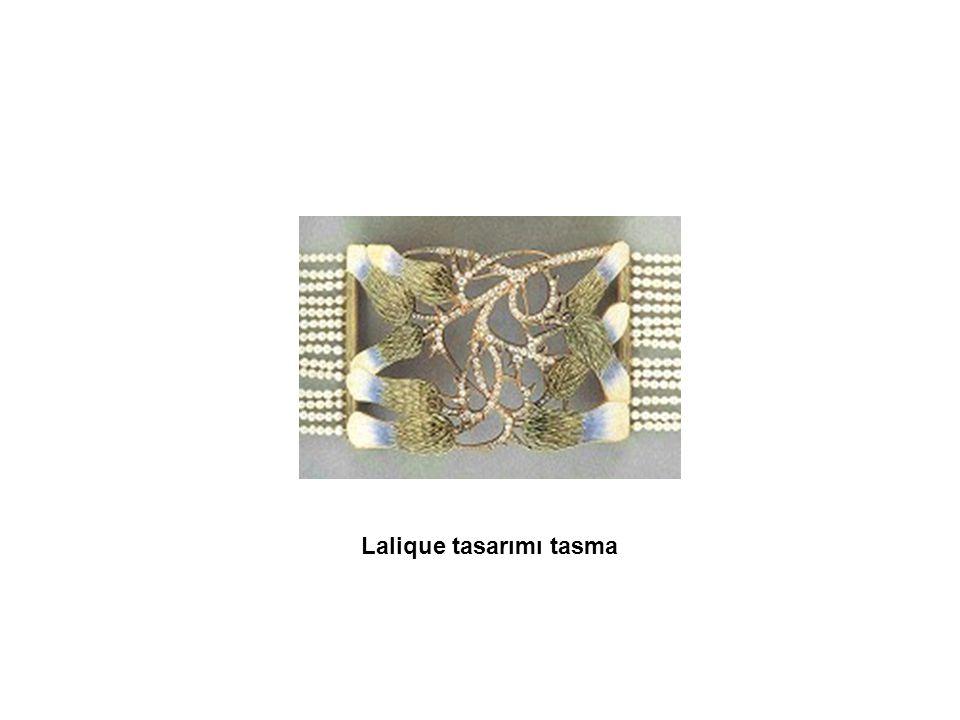 Lalique tasarımı tasma