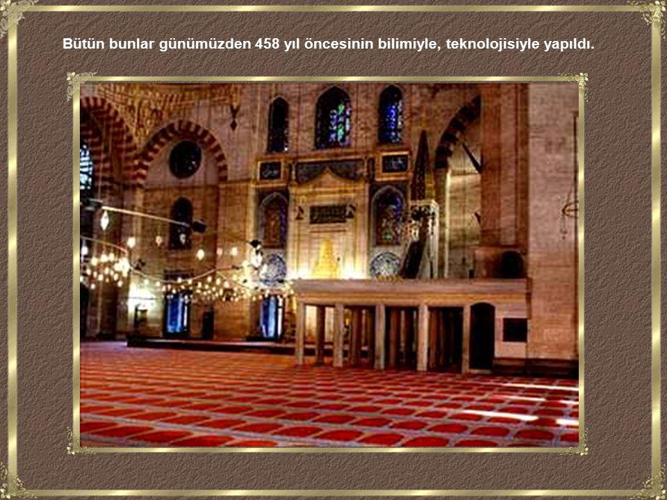 Süleymaniye nin duvarlarında gördüğünüz o muhteşem kalem işleri, yazılar, süslemeler, caminin kandillerinden çıkan isten damıtılan o mürekkeple yapıldı.