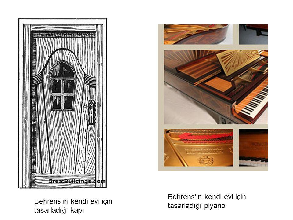 Behrens'in kendi evi için tasarladığı kapı Behrens'in kendi evi için tasarladığı piyano