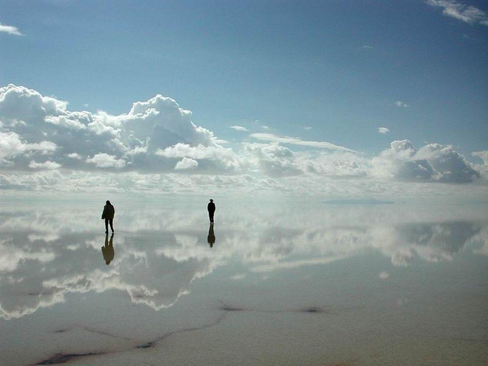 Yağmurdan sonra Göl yüzeyi Dünyanın en büyük aynası olur.